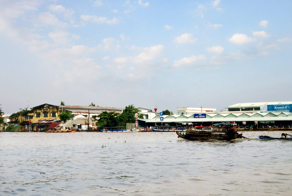 Some tips for you when travelling in Mekong River Delta